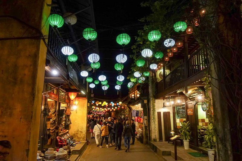 Hoi An streets at night