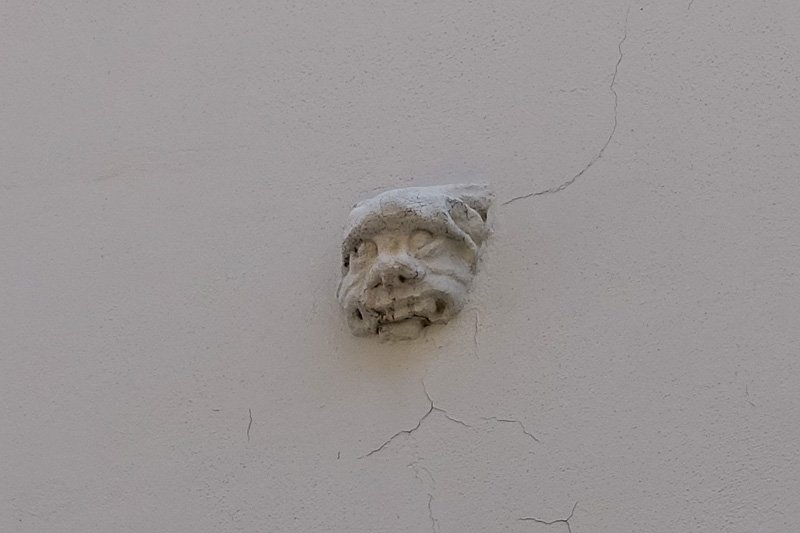 Brno Face in Wall