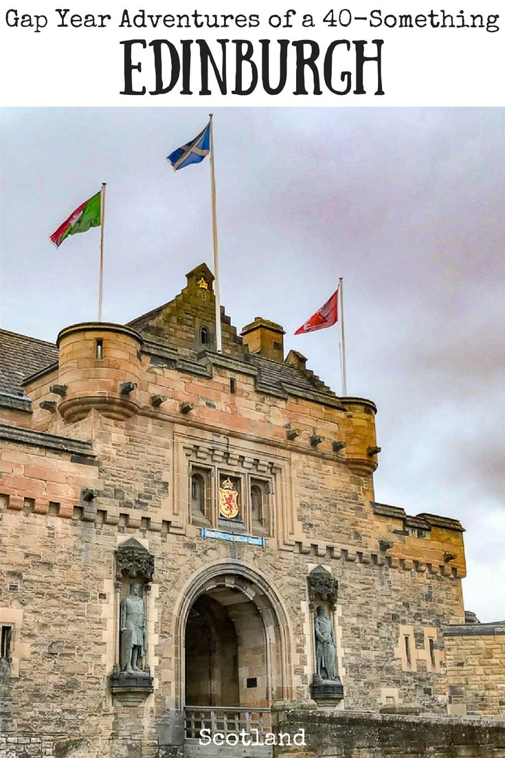 Things to do in Edinburgh | Walking Tours | Edinburgh Castle | Greyfriars Bobby | Harry Potter | #edinburgh #scotland #edinburghcastle #greyfriarsbobby #harrypotter