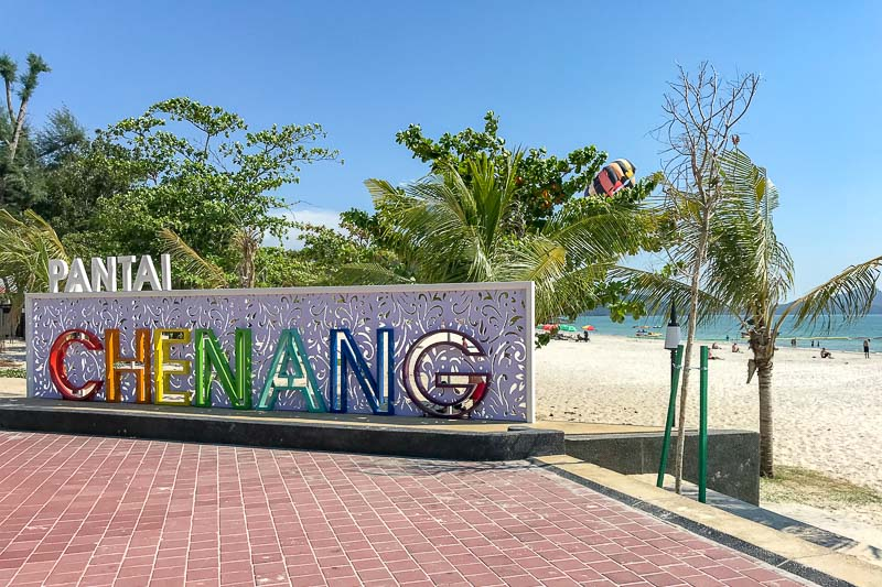 Pantai Chenang sign