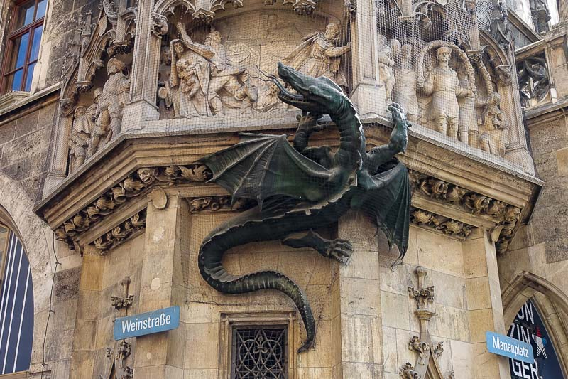 Marienplatz Dragon