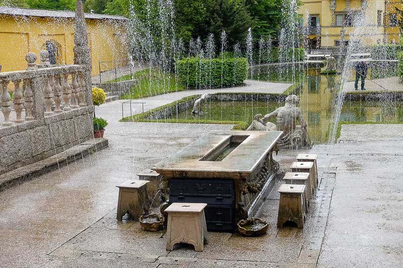 Trick Fountain Table